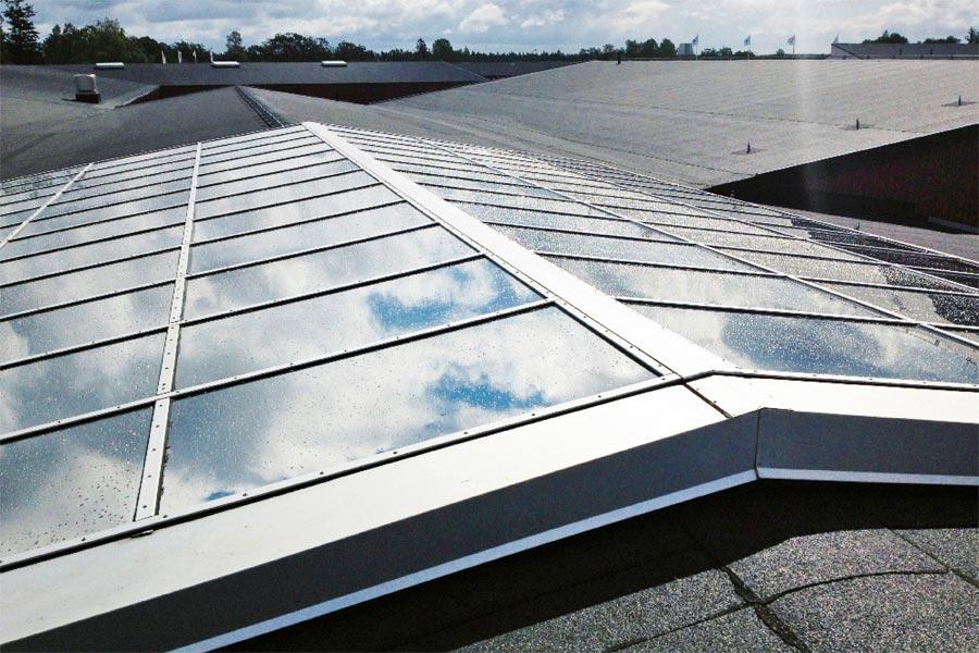solskyddsfilm för tak